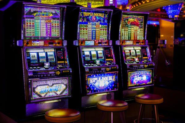 Hilangkan Kebosanan dengan Game Slot Games -Huuuge Games